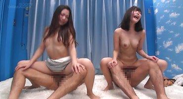 Две азиатки красиво натирают члены парней бритыми мохнатками