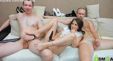 Двое русских на вебку отлично имеют девушку-блогера